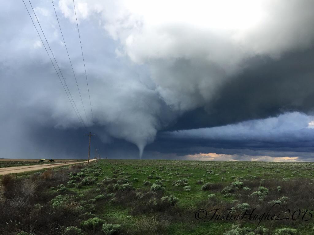 Tornado Saturday, May 9, 2015 near Cheyenne Wells, Colorado | Justin Hughes
