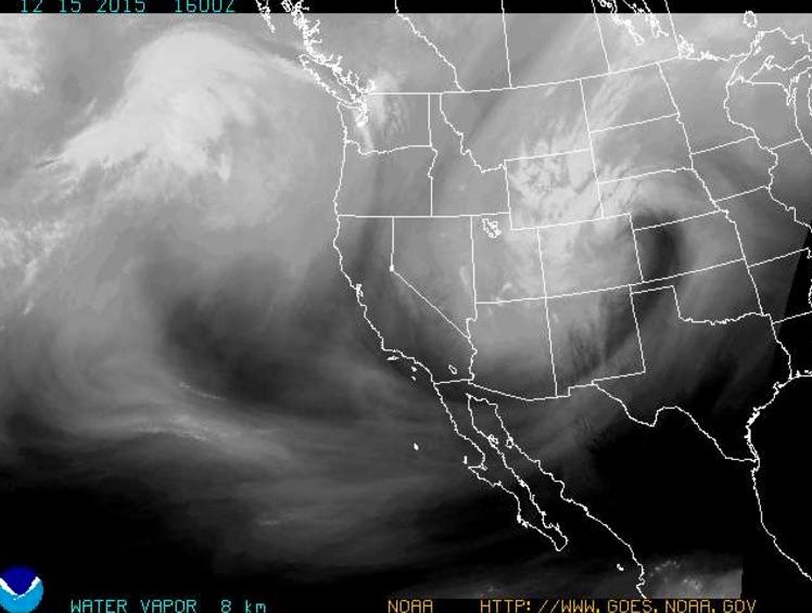 Water vapor loop (16Z ~ 900 MST) – Strong ascent +mid-upper level moisture being shoved up against the front range