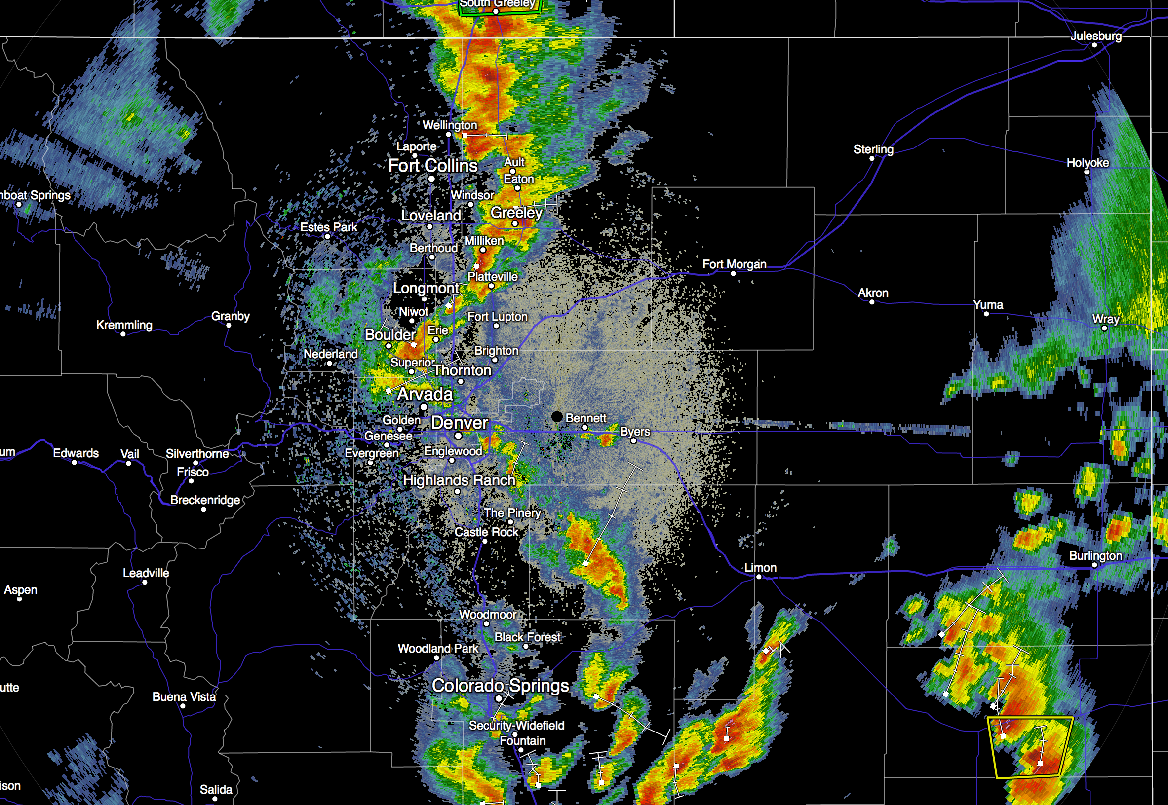 Sunday 6:10pm radar imagery northeast Colorado showing line of good storms developing along the Front Range and moving east / northeast through the evening | RadarScope